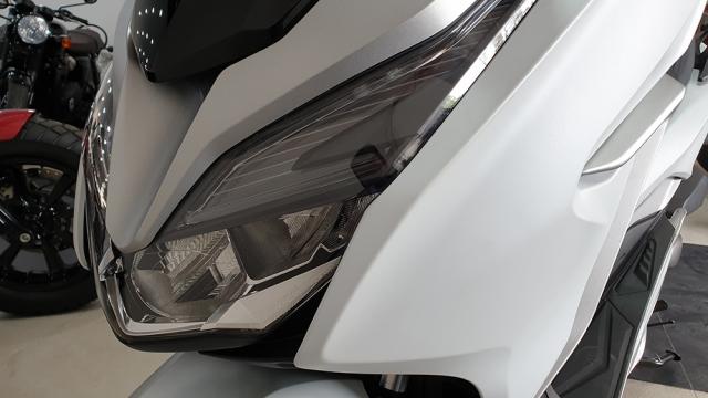 Can canh Honda Forza 300 2019 mau tay ga day ap cong nghe vua ve Viet Nam