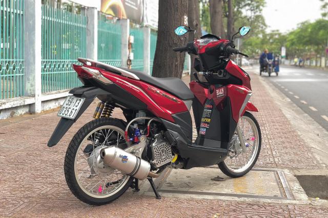 Click 125i do manh bao so trai 58 de giao tra sua cua biker Sai Gon - 3