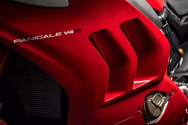Ducati Panigale V4 R ke danh bai tat ca cac doi thu tai WSBK duoc rao ban voi gia hon 2 ty - 5