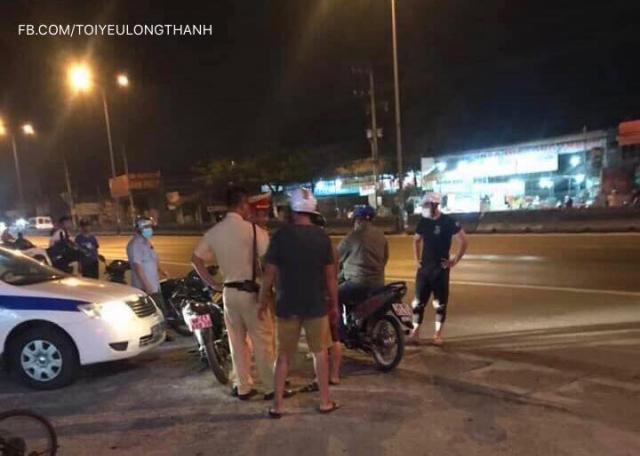 Hang tram quai xe nao loan QL 51 trong le hoi Dinh Co tai Vung Tau - 5