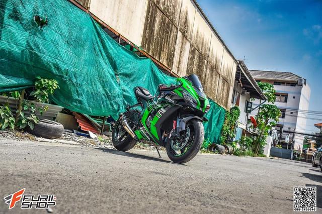 Kawasaki ZX10R do hung bao voi trang bi Winglet Puig dau tien o phien ban duong pho - 11