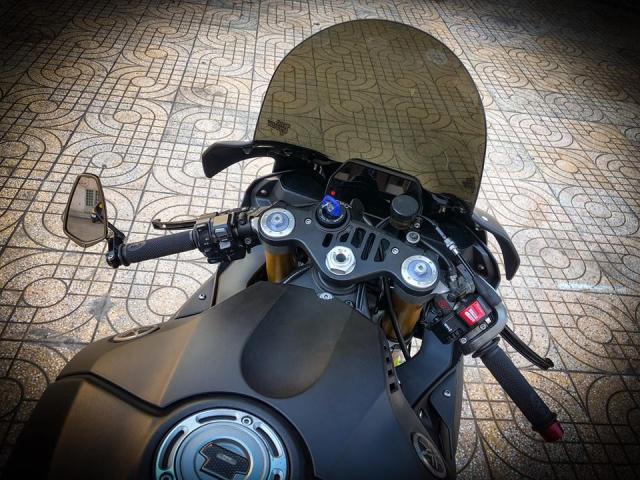 Man nhan voi sieu pham Yamaha R1 mien tay song nuoc don phong cach chay Track - 5