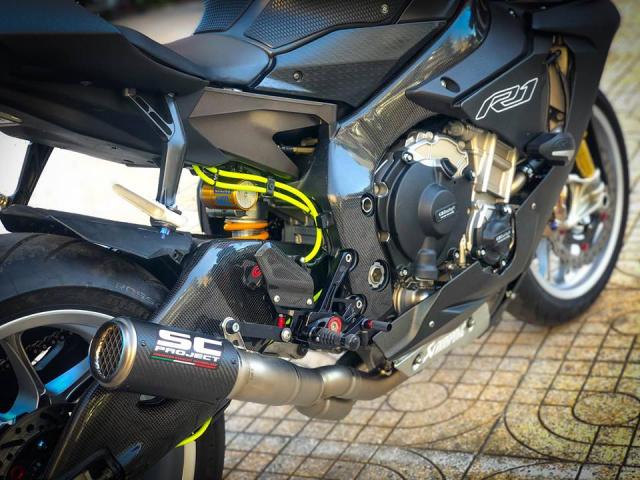 Man nhan voi sieu pham Yamaha R1 mien tay song nuoc don phong cach chay Track - 10