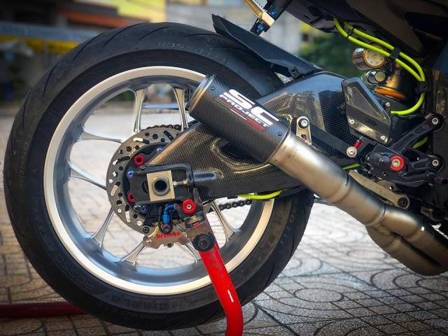 Man nhan voi sieu pham Yamaha R1 mien tay song nuoc don phong cach chay Track - 13