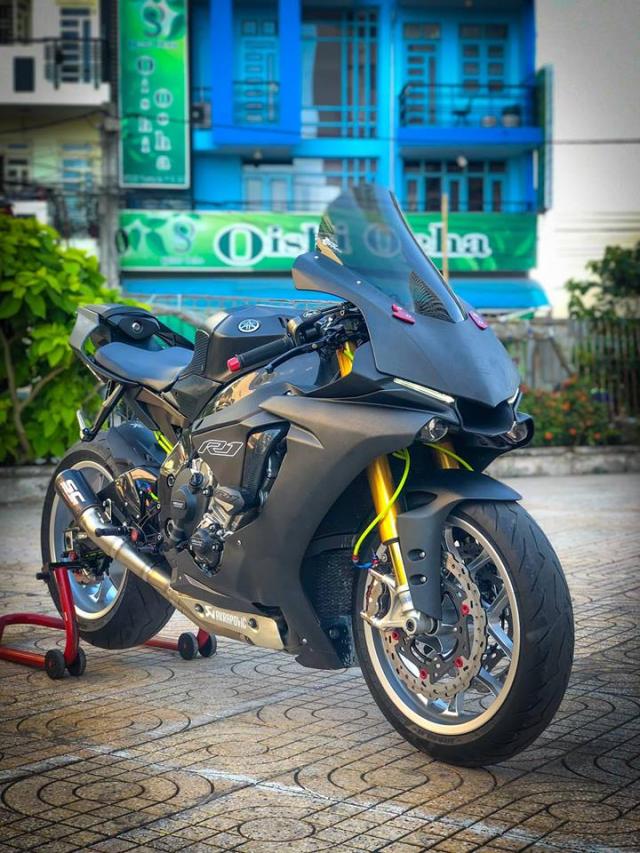 Man nhan voi sieu pham Yamaha R1 mien tay song nuoc don phong cach chay Track - 15