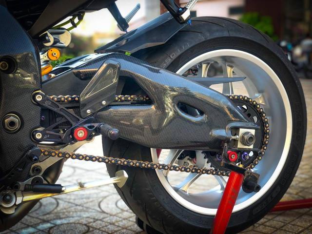 Man nhan voi sieu pham Yamaha R1 mien tay song nuoc don phong cach chay Track - 20