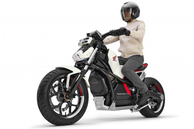 Honda Riding Assist mau mo to dien tu can bang sap duoc dua len day chuyen san xuat - 3