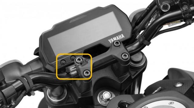 Yamaha MT15 di kem 6 phu kien tuy chinh dang quan tam - 7