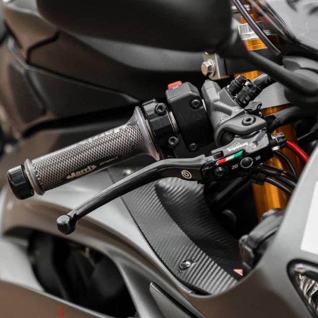 Yamaha R6 do cuc chat theo phong cach nha Binh voi dan ao Camo - 5