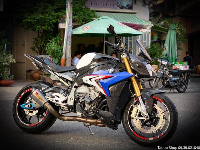 BMW S1000R do full ao Carbon dep me hon cua biker Viet - 14