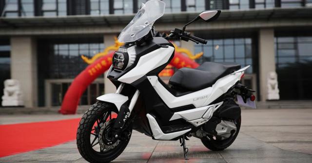 Bo 3 xe mo to phan khoi lon Lifan chuan bi do bo thi truong Thai Lan - 5