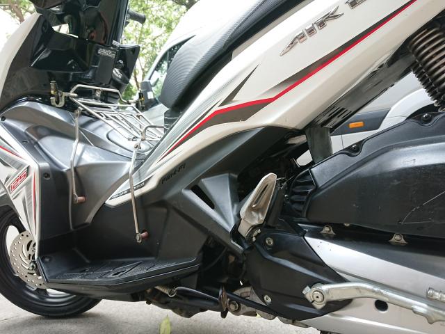 Can ban Honda Airblade 125 fi trang xam 2016 doi moi chinh chu