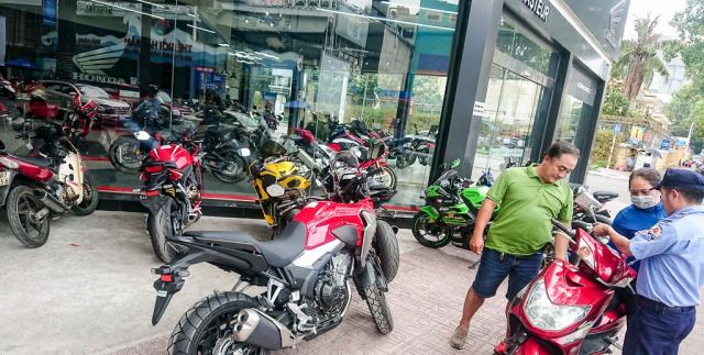 Dap thung Honda CB500X 2019 dau tien ve Viet Nam - 7