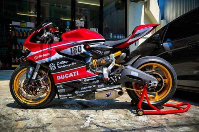 Ducati Panigale 899 do kich tinh voi cau hinh WSBK - 13