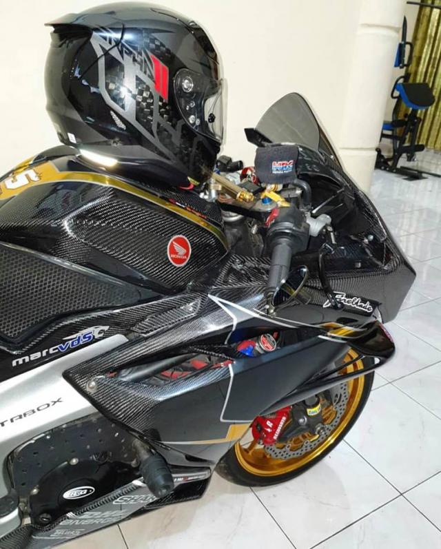 Honda CBR250RR do full body Carbon dep den ngo ngang - 5