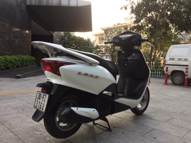 Honda Lead Fi mau trang bien Ha noi nguyen ban