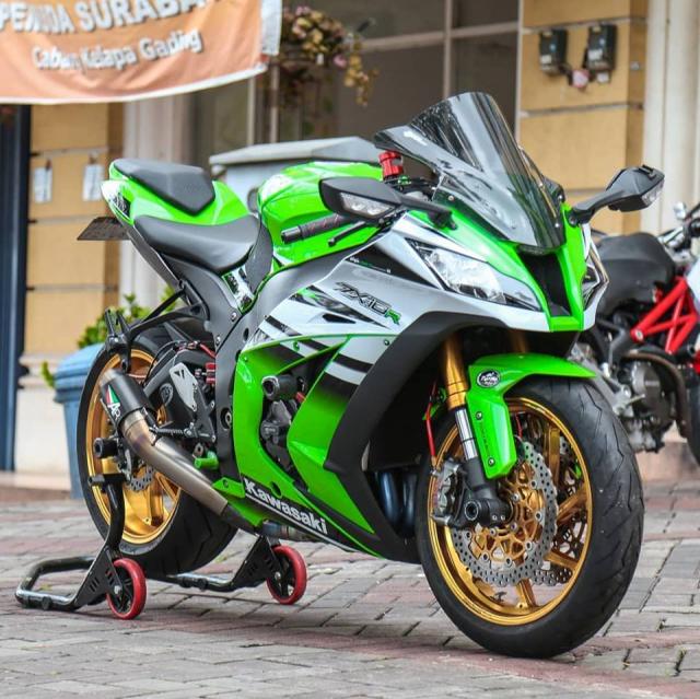 Kawasaki ZX10R voi ve dep tiem an kho phai theo thoi gian - 3