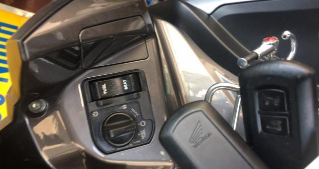 Xe Honda Airblade 2018 khoa Smartkey - 4