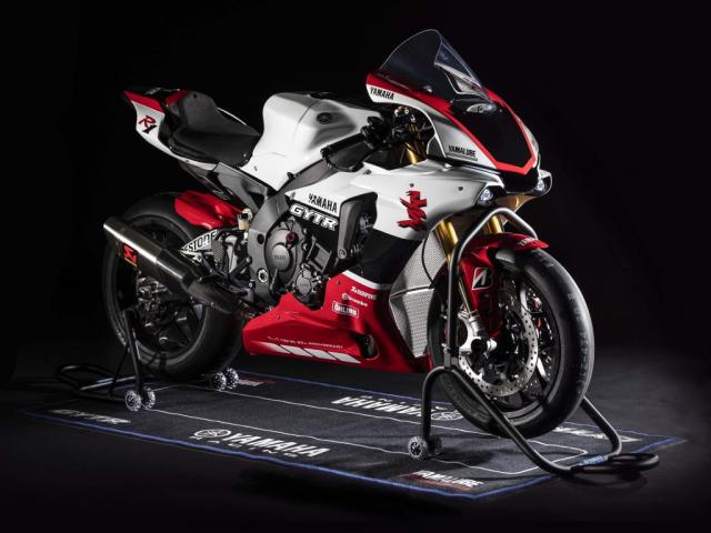 Yamaha R1 the he moi se tiem can hon voi phien ban duong dua MotoGP - 3