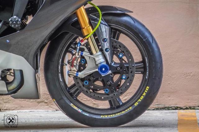 Yamaha R1M do loi cuon voi day ap cong nghe dinh cao - 5