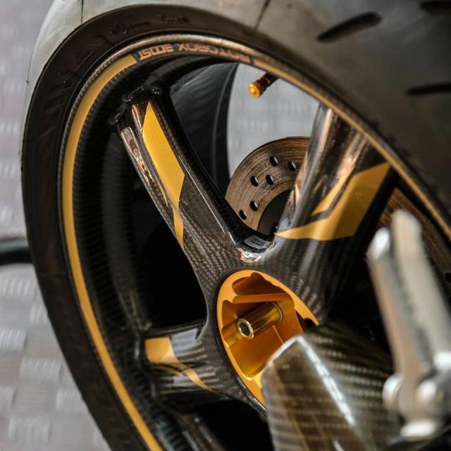 Honda CB1000R do Huyen thoai lang Nakedbike dep lung lay voi dan chan Carbon - 7