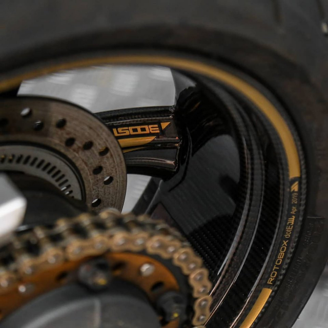 Honda CB1000R do Huyen thoai lang Nakedbike dep lung lay voi dan chan Carbon - 11