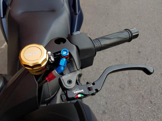 Yamaha XMax300 lot xac hoan toan voi goi trang bi khung - 5