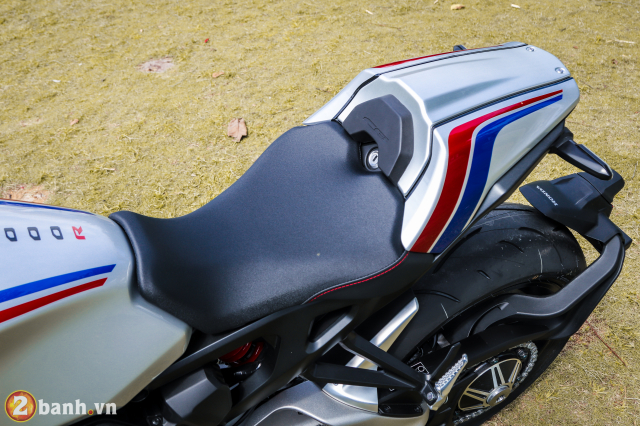 Can canh Honda CB1000R Limited Edition 2019 vua ve Viet Nam - 22