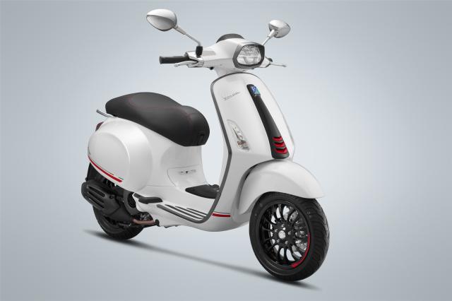 Piaggio ra mat Vespa Sprint Carbon 2019 gia 785 trieu dong - 8