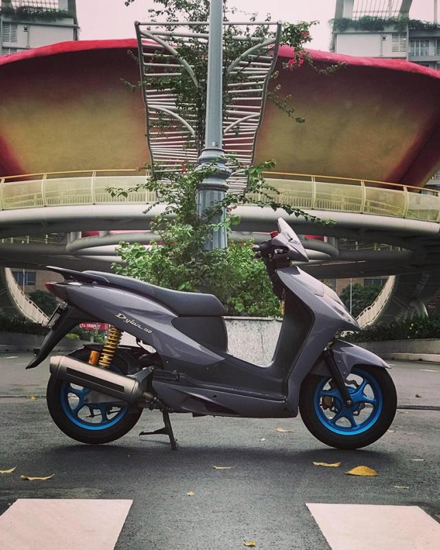 Honda Dylan vang bong mot thoi lot xac ngoan muc nho loat do choi hang hieu - 7