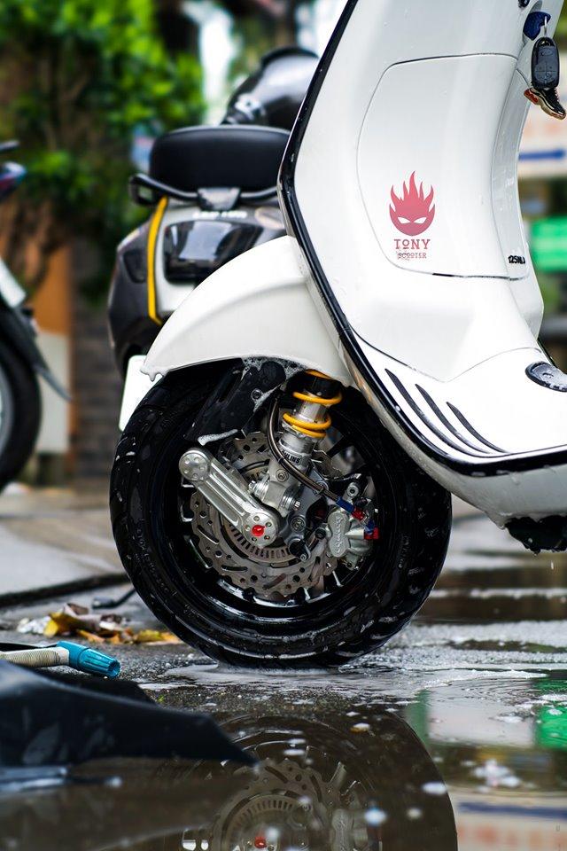 Vespa Sprint phien ban trang Ngoc Trinh day sang chanh cua dan choi Da Lat - 6