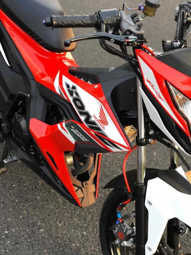 Sonic 150R do nhu zin nhung an chua dan do choi chat khong tuong - 4