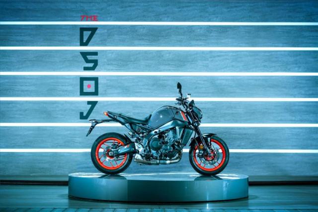 Yamaha MT09 2021 va nguon goc am thanh ong xa tu bong toi - 8