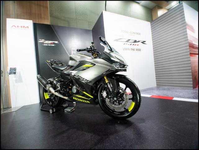 Can canh hai chiec CBR150R 2021 do chinh hang tu Honda - 36