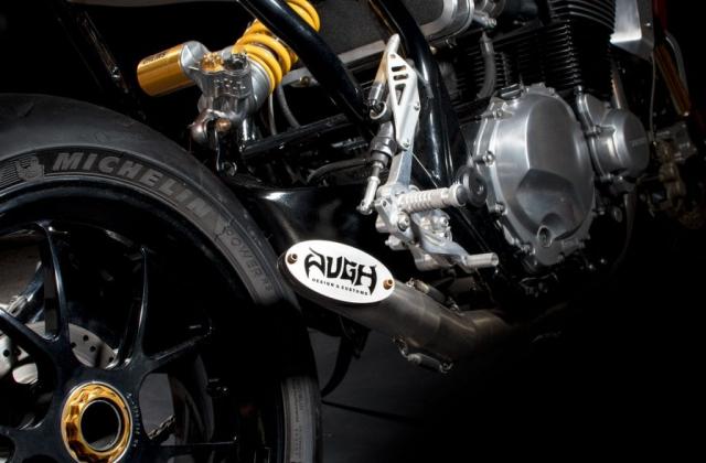 Suzuki GSX1400 do cafe racer den tu Augh Design - 6