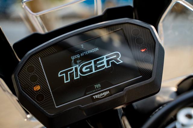 Tiger 850 sport da dia hinh - 9