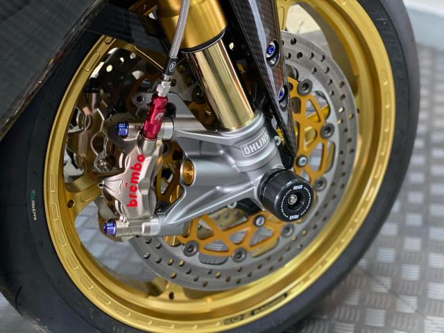 Yamaha R1M do dep rang ngoi ma khong choi loa - 5