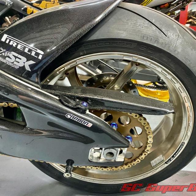 Honda CBR1000RR trong ban do cuc dep - 11
