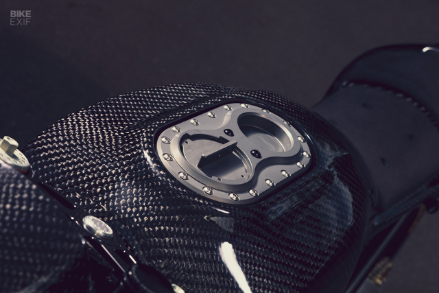 Royal Enfield Continental GT 650 do full ngoai hinh carbon an tuong - 4