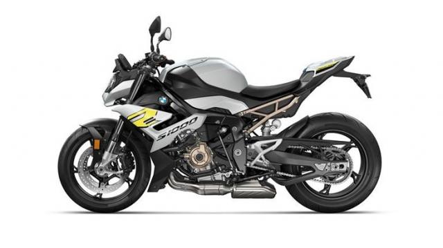 Triumph Speed Triple 1200 RS 2021 va BMW S1000R tren ban can thong so - 6