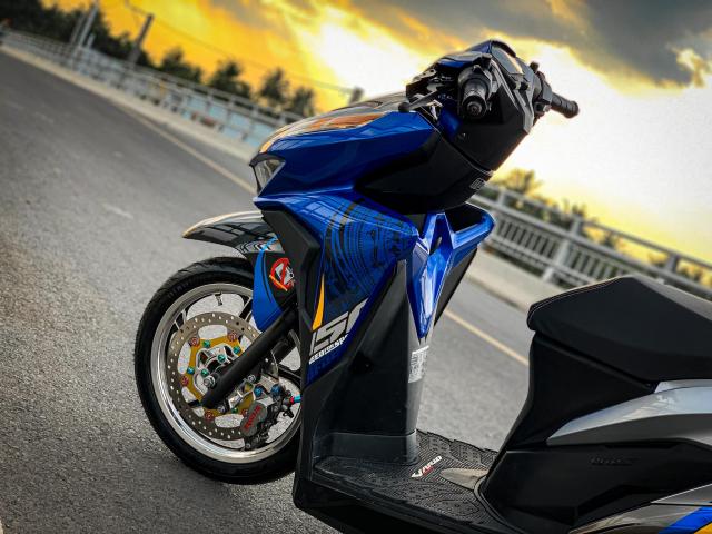 Vario do cua biker yeu nuoc voi bieu tuong Trong Dong - 3