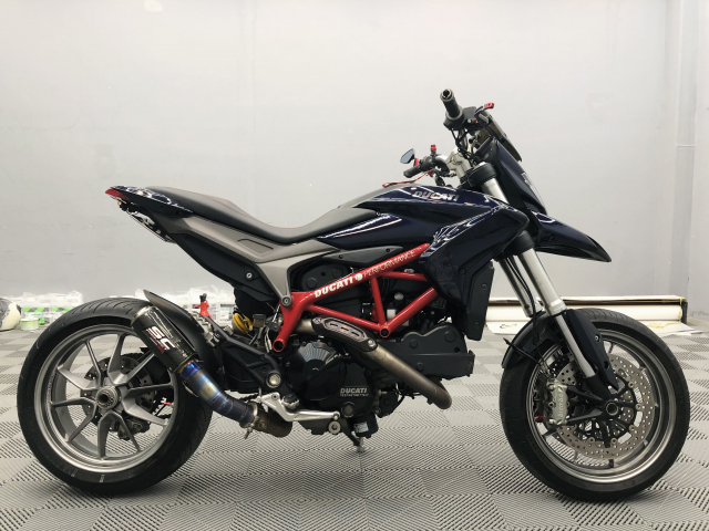 Ducati Hypermontard 821