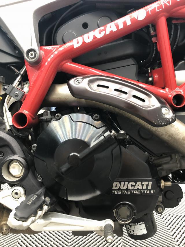 Ducati Hypermontard 821 - 2
