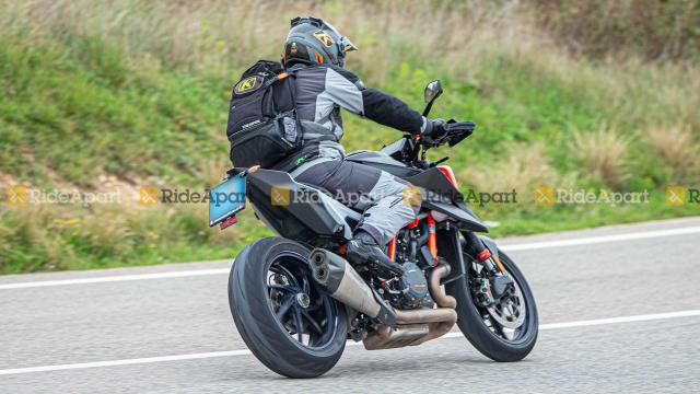 KTM 1290 Super Duke RR phien ban dac biet gioi han lo dien - 8