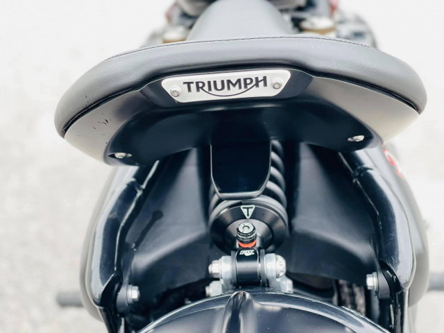 Triumph BOBBER Black 2019 Xe Moi Dep - 2