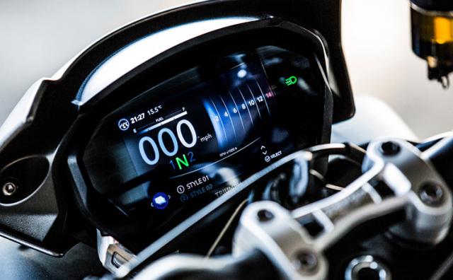Yamaha MT09 va Triumph Street Triple 765 RS 2021 tren ban can thong so - 10