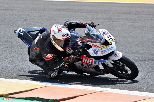 Yamaha R3 phien ban xe dua duoc trang bi gi