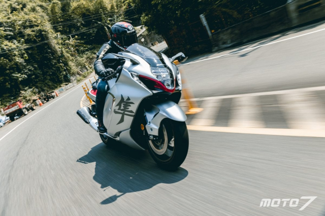 Danh gia Suzuki Hayabusa 2021 Lay cam hung tu Chim ung Peregrine - 26