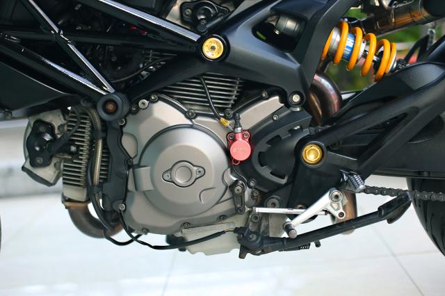 Ducati Monster 796 2014 phien ban mat troi trong dem do choi ngap mat - 21