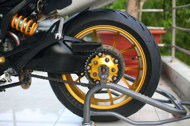 Ducati Monster 796 2014 phien ban mat troi trong dem do choi ngap mat - 16
